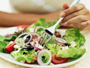There are no good or bad fruits and vegetables; all varieties of fresh fruits and vegetables are excellent for runners.