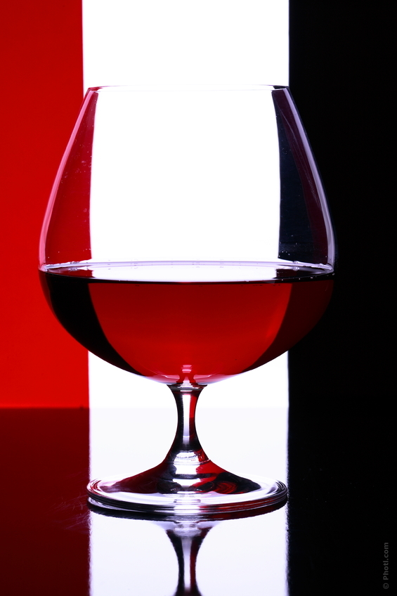 Never drink alcohol before your evening meal. Low blood sugars can increase cravings for alcohol but drinking it only serves to lower them further so hold off, at least until after you've eaten.