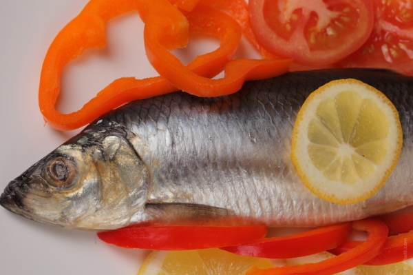 The truth is that farmed fish has 3 times more saturated fat as compared to wild fish.