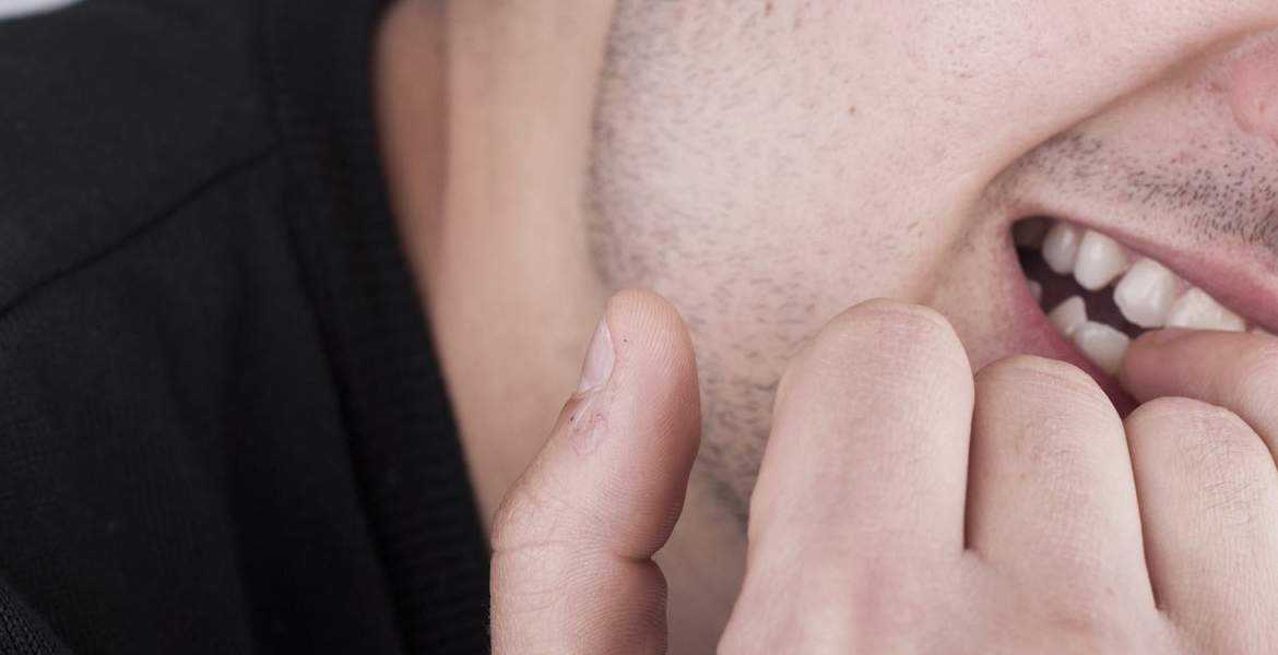 5 Signs That You Suffer from Dermatophagia – Put That Cheese Burger ...
