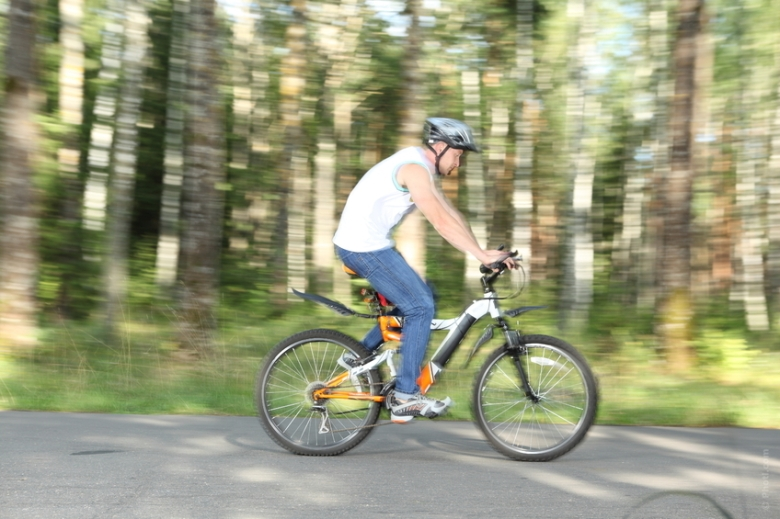 Cycling is  the best form of exercise for those who are recovering from an injury, looking at cross-training options or seeking a way to preserve their knees to run a Marathon when they are 85! It gets the legs moving and the heart pumping without stressing the joints too much.