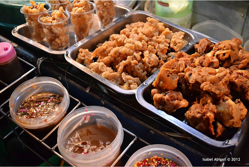 If you are a street food fan, try to avoid its intake during the monsoon season.