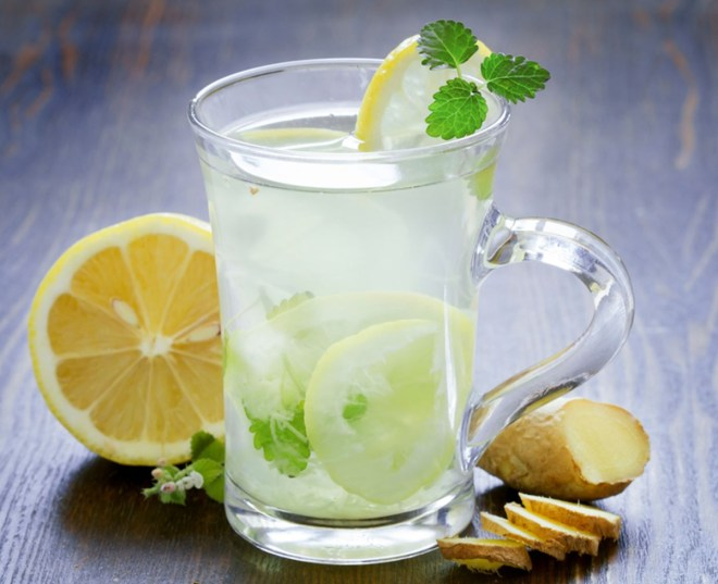 Ginger honey lemonade for summer.