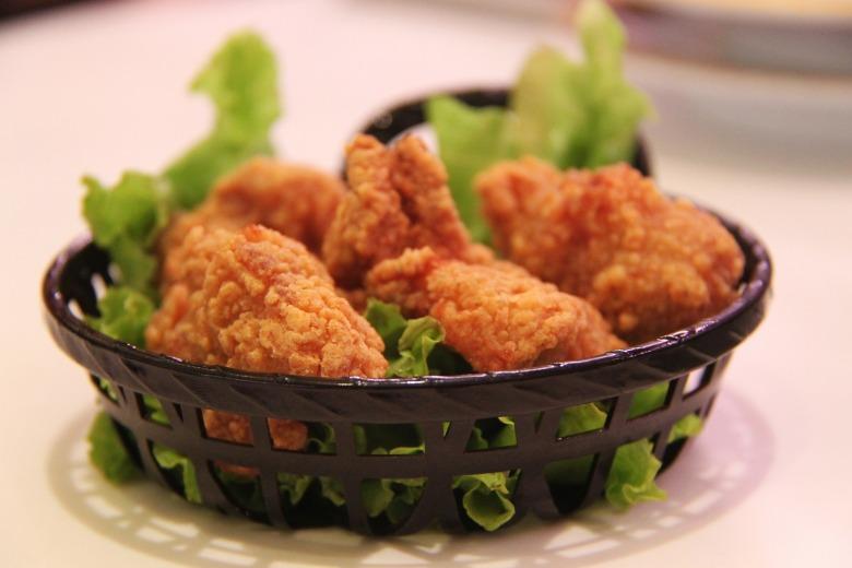 fried-chicken-250863_1920
