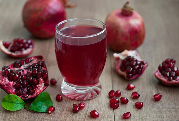 Sparkling-Pomegranate-Juice1.jpg