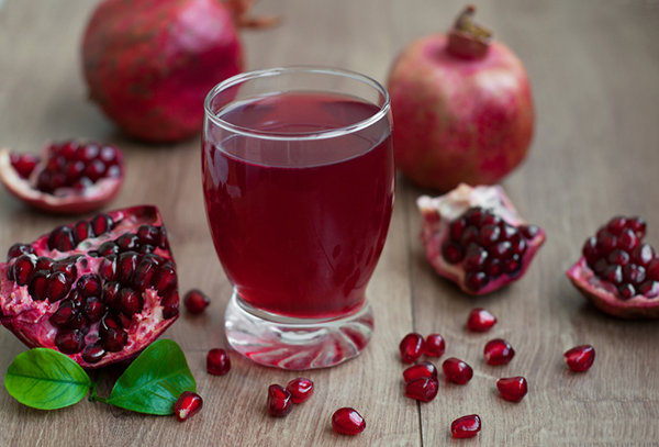 Sparkling-Pomegranate-Juice1.jpg