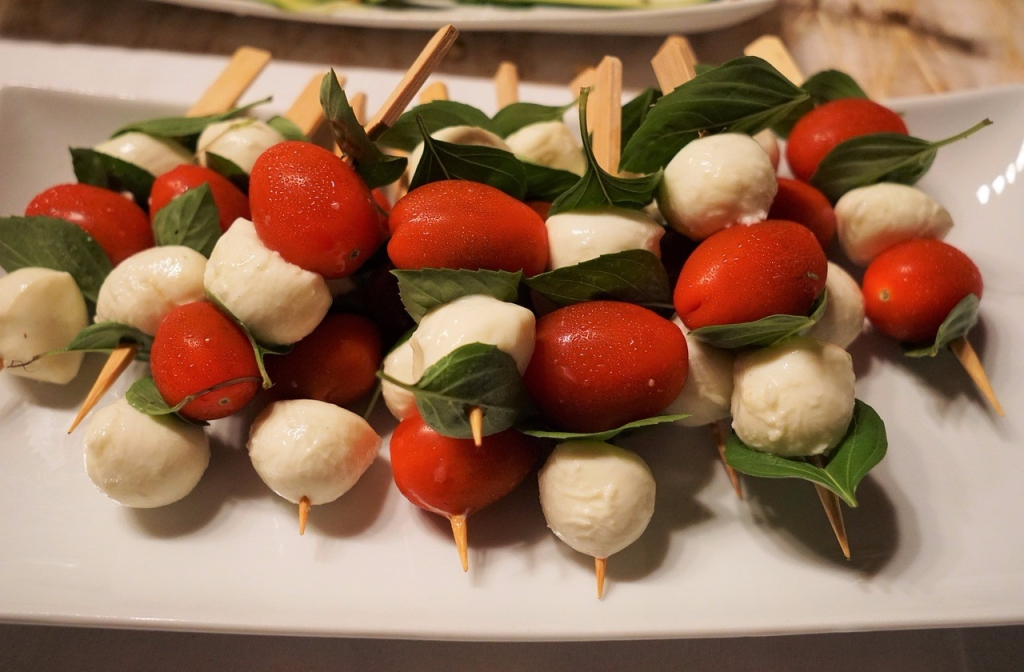 No-Grill Tomato, Basil and Mozzarella Skewers