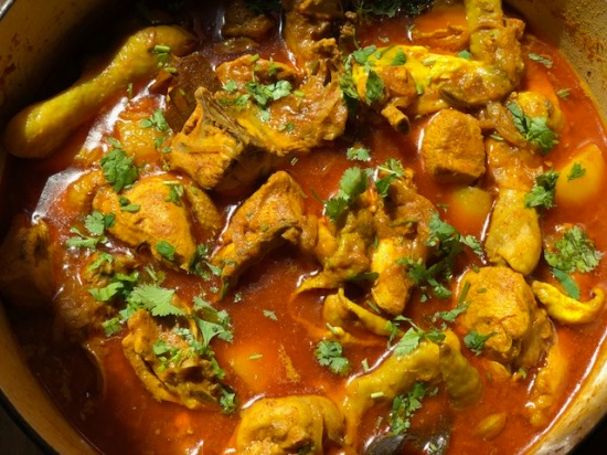 Delicious Slow-Cooked Indian Style Chicken Curry