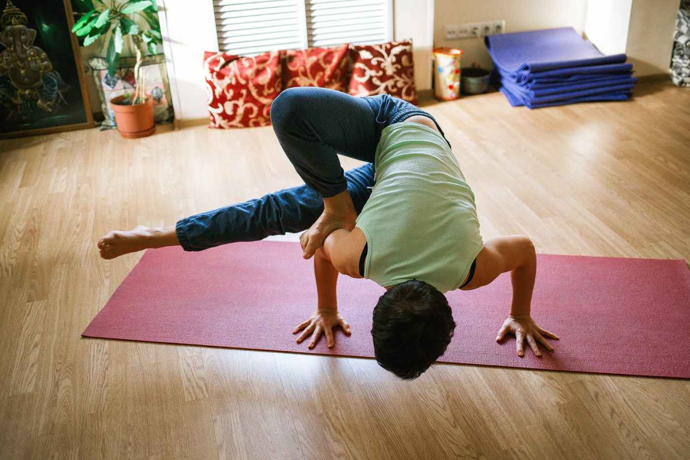 5 Helpful Yoga Asanas For Men