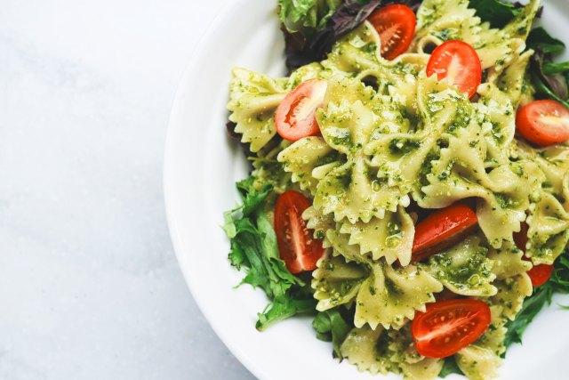 Delicious Vegan Pasta With Sweet Tomato And Pesto